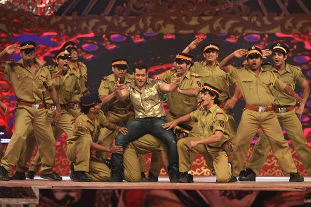Salman Khan performs during the Big Star Entertainment Awards 2012.
