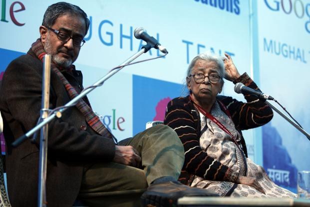 Mahasweta Devi (right) in conversation with Naveen Kishore at the Jaipur Literature Festival. Photo: M. Zhazo/Hindustan Times.