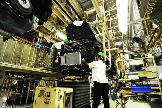 Engineers at Manesar plant of Maruti Suzuki.  The company plans to double annual production capacity to about 3 million units, the Nikkei business daily reported. Photo: Ramesh Pathania/ Mint