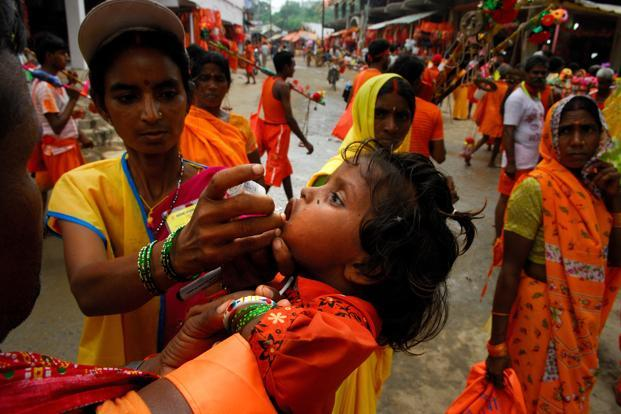A file photo of transit teams runing polio programme. Photo: Pradeep Gaur/Mint