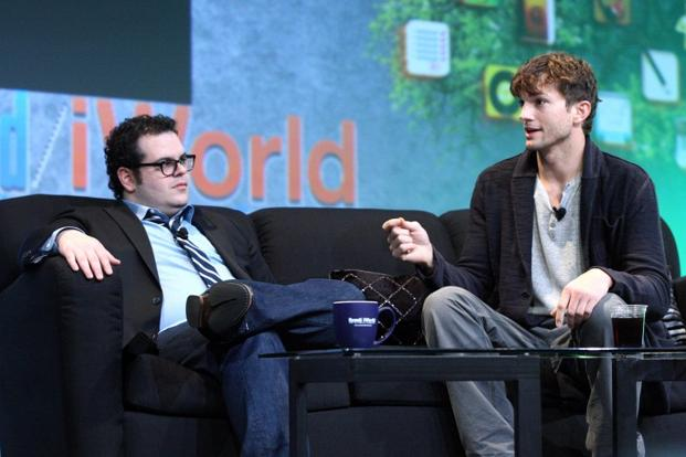 Hollywood actors Josh Gad (left) and Ashton Kutcher at the Macworld Expo on Thursday in San Francisco, California. Kutcher—an Internet technology entrepreneur and investor—plays the late Apple co-founder Steve Jobs, while Gad took on the role of Steve Wozniak, the engineering wizard of the duo whose accomplishments changed the way people live. Photo: AFP