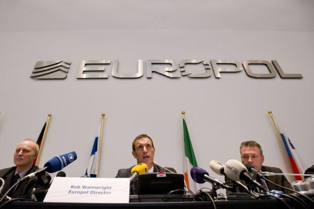 From left chief investigator of Bochum police Friedhelm Althans, Europol's chief Rob Wainwright and from the Bochum prosecution service Andreas Bachmann during a press conference in The Hague on 4 February. Photo: AFP