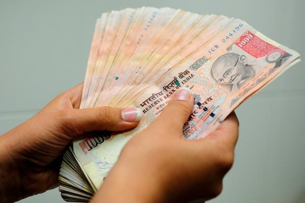 The rupee fell for a second session after trading in a 53.07-53.32 band. Photo: Priyanka Parashar/Mint