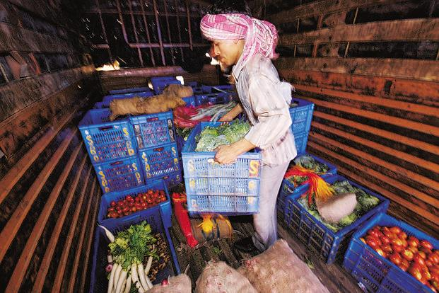In January, vegetable prices rose 26.11%, while prices of oils, fats and cereals and cereal products jumped by 14.98% and 14.9%, respectively. Photo: Mint