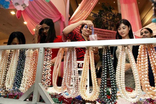 Natural or cultured pearls, precious or semiprecious stones, and jewelery clad with precious metals and also coins accounted for 15.95% of total exports. AFP