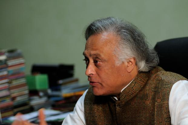 Jairam Ramesh in a letter to Prime Minister Manmohan Singh, refuted charges that the government's flagship welfare scheme is leading to a shortage of farm hands during the spring harvest season. Photo: Pradeep Gaur /Mint