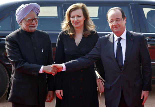 Prime Minister Manmohan Singh (left) with France's President Francois Hollande (extreme right) and his partner Valerie Trierweiler in New Delhi on 14 February. Photo: Reuters