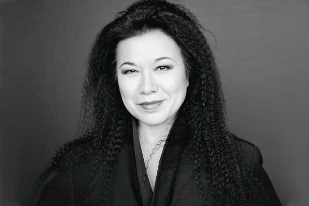Eiko Ishioka. Photo: Brigitte Lacombe