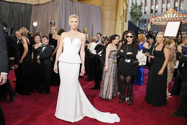 The most spectacular look at the red carpet of the 85th Annual Academy Awards was that of Charlize Theron in white Dior Haute Couture, Roger Vivier shoes and Harry Winston jewellery. Lucy Nicholson/Reuters