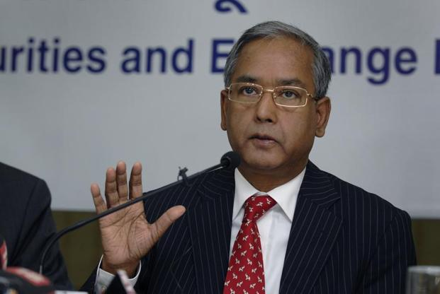 The market regulator has ordered an investigation into the crash of mid-cap stock on Monday, Securities and Exchange Board of India chairman U.K Sinha said on Tuesday. Photo: Abhijit Bhatlekar/Mint