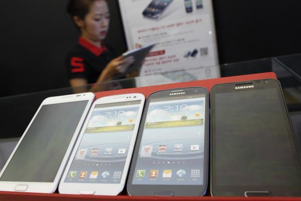 In addition to greater availability of low-cost handsets, expansion of 3G network coverage and the rollout of 4G networks is expected to boost smartphone sales in India. Photo: Reuters (Reuters)