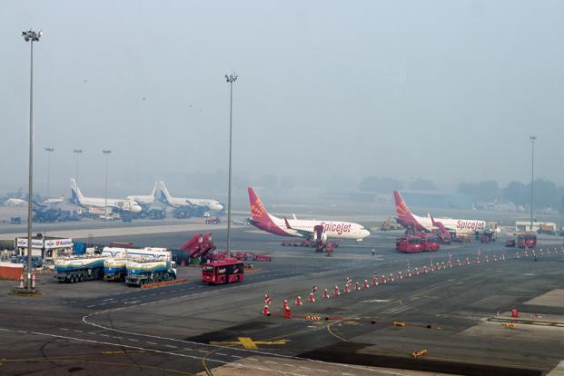 Experts say, Indian airports are trying to ensure a 16% return on investment but ignoring the 1% margin that airlines globally operate on. Photo: Ramesh Pathania/Mint (Ramesh Pathania/Mint)