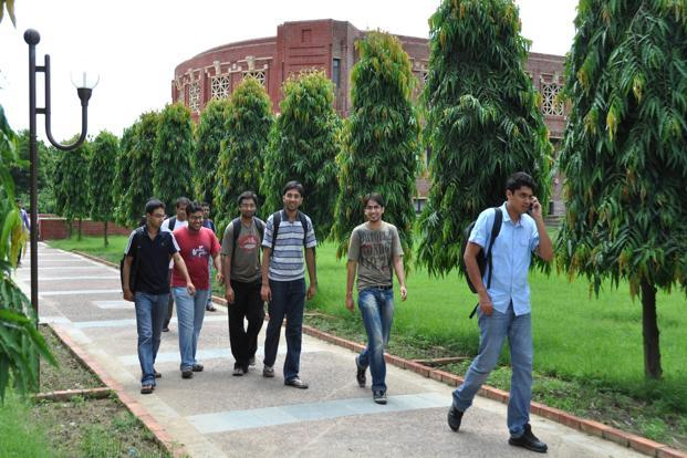 A file photo of IIM Lucknow. The institute's decision comes in the wake of the IIMs at Ahmedabad and Bangalore hiking fees. Photo: Hindustan Times