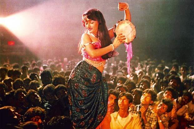 Madhuri Dixit in her career-altering number 'Ek do teen' from N. Chandra's 'Tezaab' (1988). Photo: Kamat Foto Flash