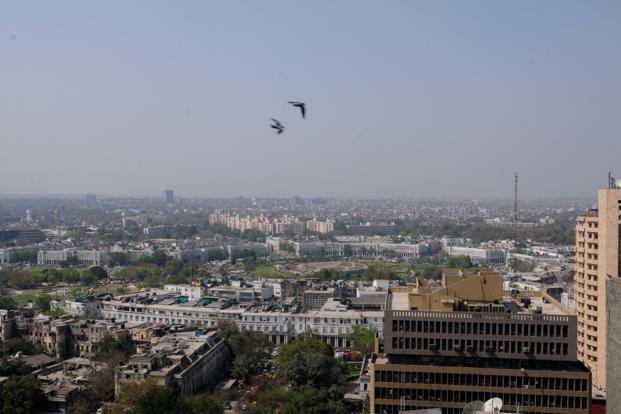 The weather will continue to be dry for the next few days in Delhi. Photo: Pradeep Gaur/Mint