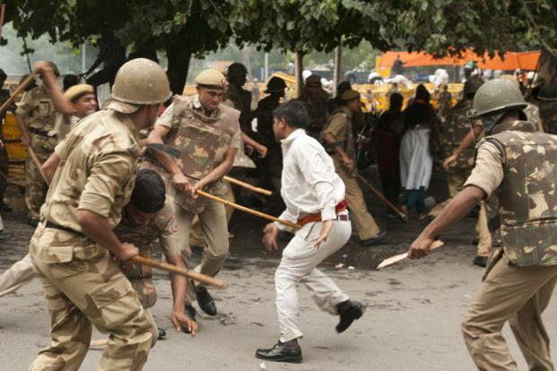 Moral policing will continue to trump civilized policing, and we will continue to editorialize about police excesses, calling for—what else—police reforms. Photo: Ramesh Pathania/Mint<br />