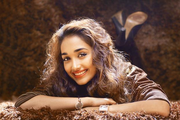 Jiah Khan made her debut in Ram Gopal Varma's Nishabd, where she acted opposite Amitabh Bachchan. She also got a Filmfare best debutant nomination for the film. Photo: HT