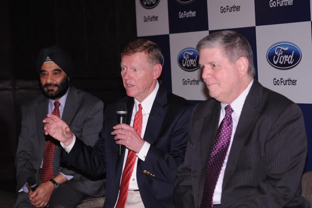 (From right) Dave Schoch, president of Ford Asia Pacific; Alan Mulally, president and chief executive, Ford Motor Co., and Joginder Singh, president and managing director of Ford India. ((From right) Dave Schoch, president of Ford Asia Pacific; Alan Mulally, president and chief executive, Ford Motor Co., and Joginder Singh, president and managing director of Ford India.)