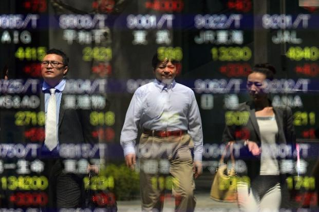 The MSCI Asia Pacific Index of 1,003 regional equities added 0.2% by 9.58am in Tokyo, rising for a fourth day to rally 3.2% since 5 July, a third week of gains. Photo: AFP
