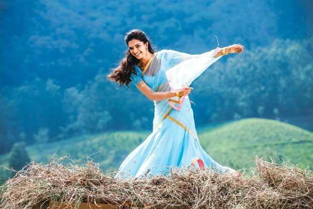 Trend Tracker The Return Of The Half Sari Livemint