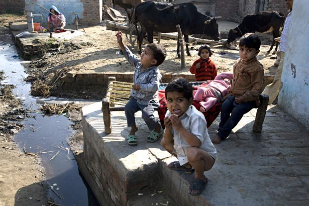 http://www.livemint.com/rf/Image-621x414/LiveMint/Period1/2013/08/13/Photos/rural_sanitation--621x414.jpg