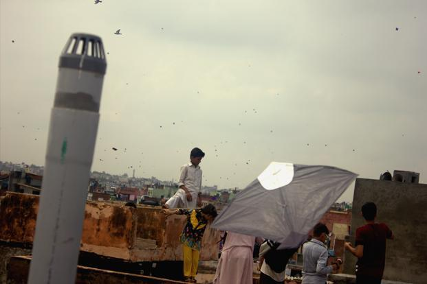 he sky is dotted with hundreds of colourful kites and people engage in kite-flying competitions. The tradition of flying kites on this day began after independence though the traditional kite flying day comes on <i>Makar Sankranti </i>in January each year.