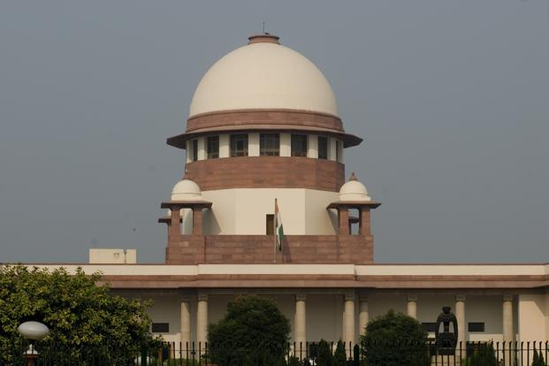 The Supreme Court also directed the firms to maintain accounts of the revenue with respect to the SMS alerts that they provide to the subscribers, and to deposit the accounts at the court each month. Photo: Mint (Mint)