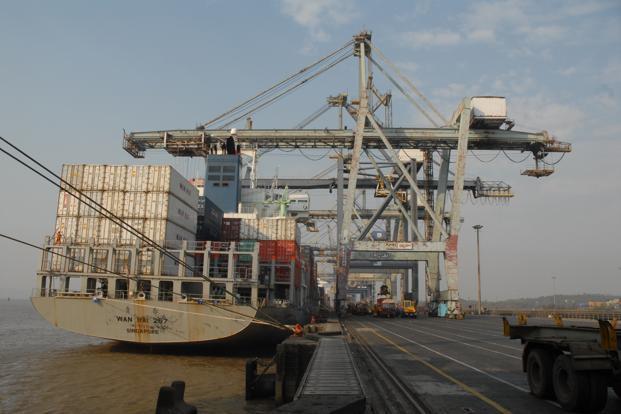 cargo handler