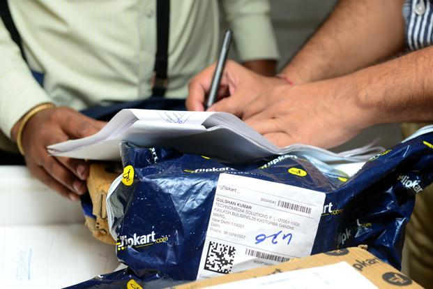 The deeper losses as well as soaring sales are in keeping with Flipkart's winner-takes-all strategy, which involves pursuing revenue growth and market share at any cost, the same model followed by Amazon.com in the US. Photo: Ramesh Pathania/ Mint