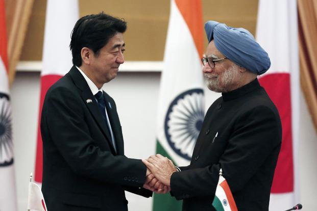 Shinzo Abe (left) and Manmohan Singh at Hyderabad House in New Delhi on Saturday. Photo: Adnan Abidi/Reuters