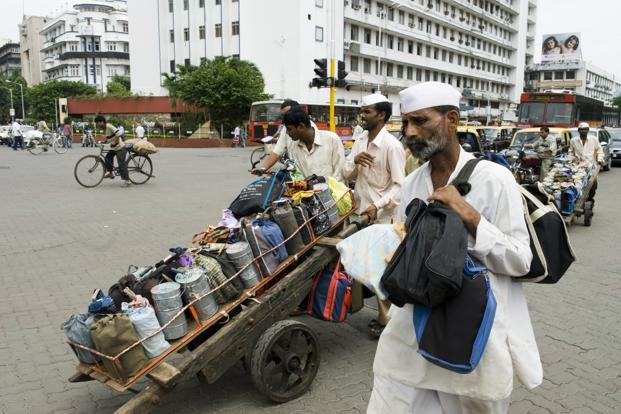 mumbai dabbawala In these 120 years, mumbai has changes a lot, yet the approach by dabbawala is  same as it was during its startup the dabbawala will pick up.