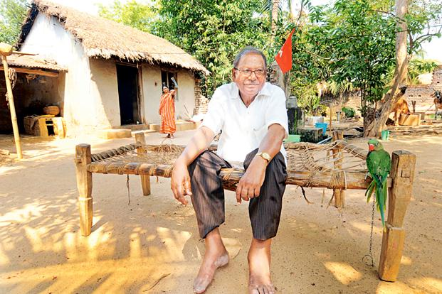 The CPM's nine-time winner of Lok Sabha elections and candidate in Bankura seat Basudeb Acharia taking a break during election campaign at Dubrajpur. Photo: Indranil Bhoumik/Mint