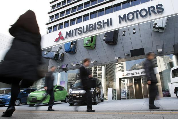 Mitsubishi Recalls 920 000 Vehicles Over Defective Light Switches
