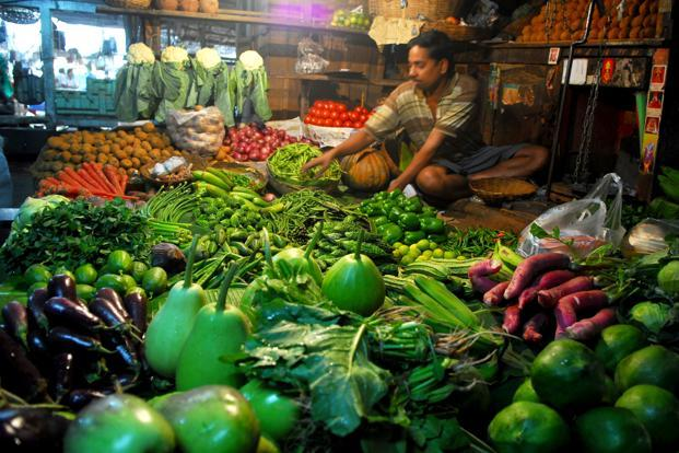 In May, WPI rose 6.01% as increase in potato prices pushed up food inflation to 9.50% from 8.64% in April. CPI had fallen in May. Photo: Indranil Bhoumik/Mint