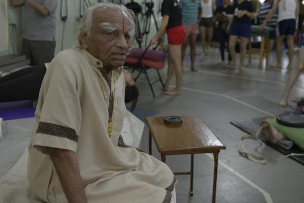 B.K.S Iyengar, who taught yoga to thousands, died on Wednesday morning. Photo: Abhijit Bhatlekar/Mint