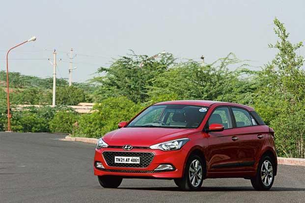 Face Off Hyundai Elite I20 Vs Volkswagen Polo Livemint