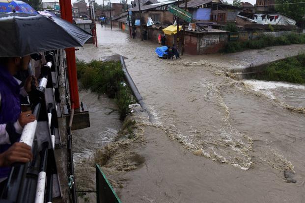 Flood In Kashmir Short Essay Topics - image 11