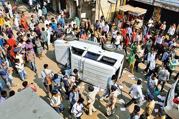 Recent protests against a glitch in Mumbai's train services turned violent. Photo: Praful Gangude/Hindustan Times