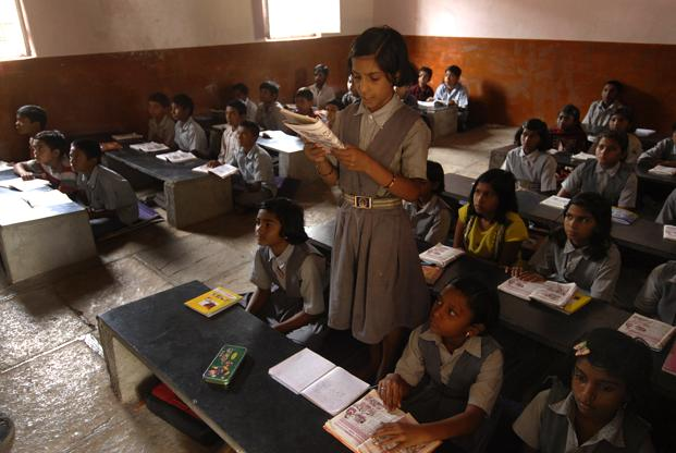 In 2009, 60.2% of children in Class 8 could read simple sentences in English but in 2014, this figure was 46.8%, according to ASER 2014. Photo: Abhijit Bhatlekar/Mint