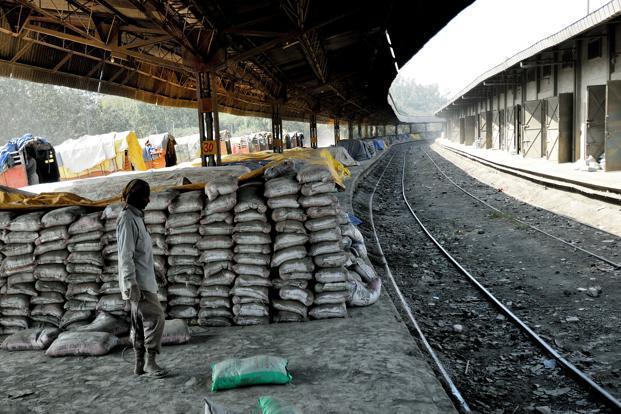 Ultratech Cement Market : Cement makers decide to roll back price hikes livemint