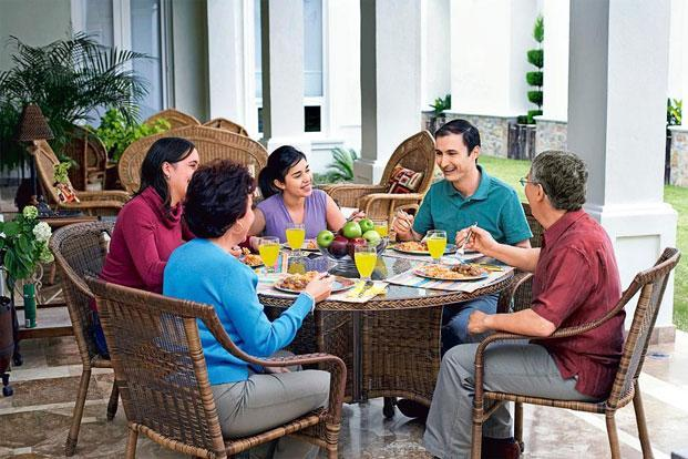 Eating together improves communication among family members
