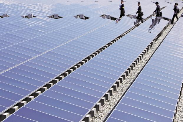 India Plans To Award 15 000 Mw Of Solar Projects This Year