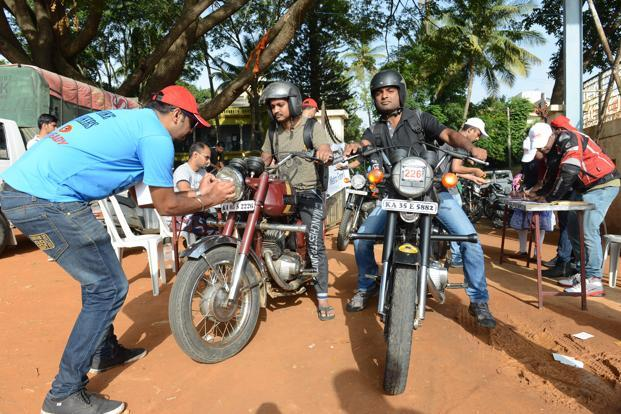 photo essay the r ce of the jawa slideshow livemint bikers getting registered to take part in the international jawa and yezdi day