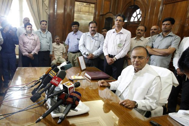 Finance minister Arun Jaitley. The Seventh Pay Commission was supposed to submit its report and recommendations to the finance ministry on 31 August. Photo: HT
