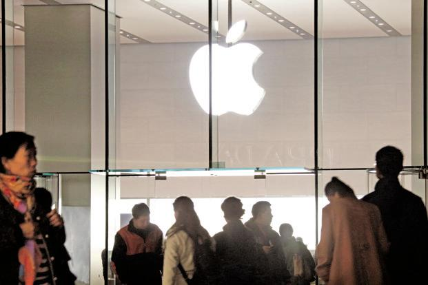 The report, which released Monday, estimates the value of the Apple brand at $170.3 billion, up 43% from last year. Photo: Bloomberg