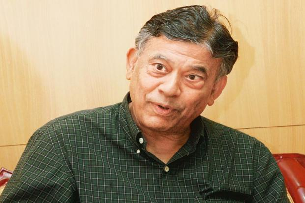 All eyes are now riveted on the 10-member panel led by Vijay Kelkar, economist and India's former finance secretary, which has been tasked by the government with revisiting and revitalizing the PPP model of infrastructure development. Photo: Hindustan Times