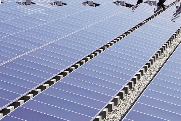 The government has ambitious plans for deployment of 175 GW renewable power capacities by 2022, including 100 GW in solar energy. Photo: Bloomberg