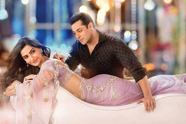 Salman Khan (right) and Sonam Kapoor in a still from 'Prem Ratan Dhan Payo'