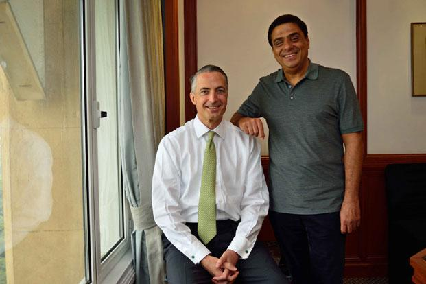 Swades Foundation founder and trustee Ronnie Screwvala (right) and Stuart P. Milne, CEO, HSBC India. Pradeep Gaur/Mint