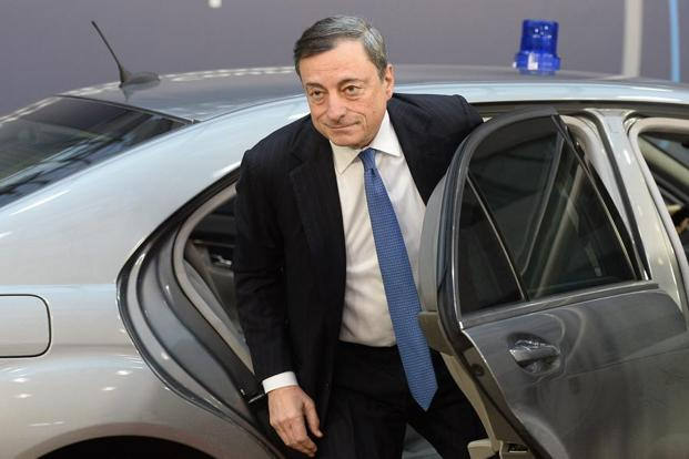 photo de Mario Draghi Mercedes Benz - voiture